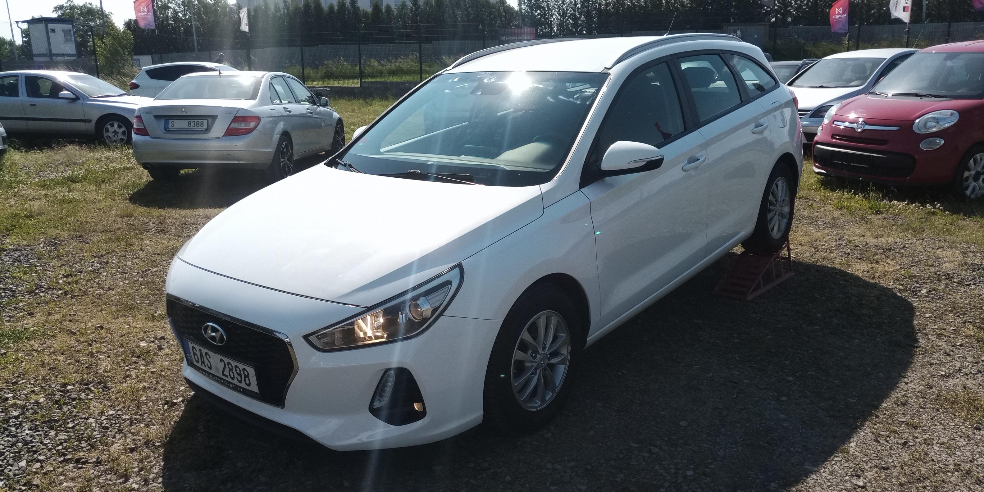 Hyundai i30 1.6 CRDi 81kW TriKomfort,ČR,Temp,ALU,Led,DPH